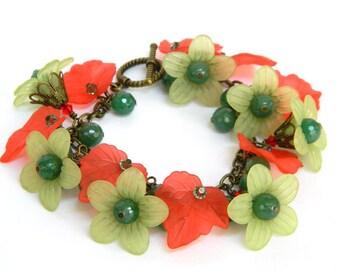 Red Bracelet for Women, Christmas Bracelet, Holiday Jewelry, Chunky Bracelet, Flower Bracelet, Handcrafted Jewelry, Green Bracelet