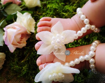 Ivory Flower and Pearl Elastic Baby Barefoot Sandals, Pearl Sandals, Elastic Sandals, Baby Accessories, Baby Shoes, Baby Shower Gifts