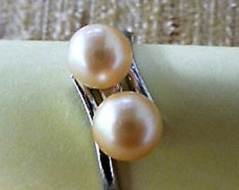 Pearl Ring  ...  Two Pearls + Silver  --  Size 8  **  Pearl Jewelry