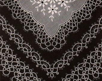 Tatting Handkerchiefs, by Kirstine Nikolajsen