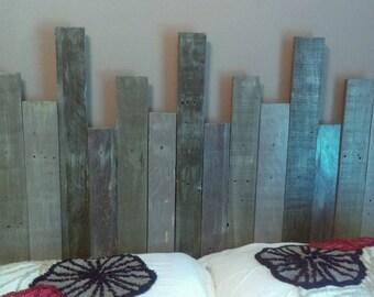 Reclaimed wood pallet headboard