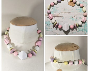 Vintage Pastel Beaded Necklace // Pink, Purple, Yellow, White Beaded Necklace