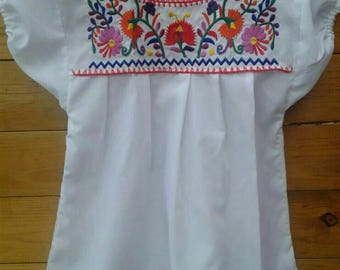 Mexican Embroidered Girl Blouse size 6-8 years old