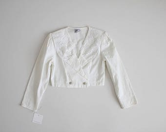 cropped white blazer | lace collar top | 80s white jacket