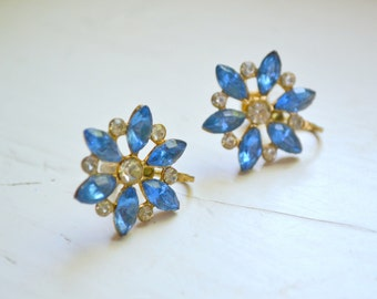 1950s Blue Rhinestone Flower Screw Back Earrings