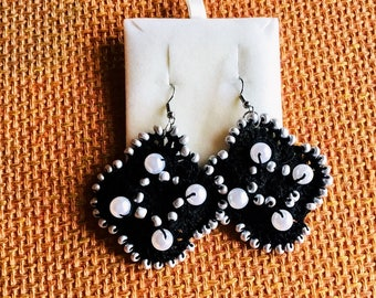 Hand-made rhombus earrings with white pearls and silver beads; Crochet Earrings
