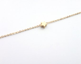 Tiny Star bracelet, Gold star bracelet, Dainty everyday jewelry, gift for her under 20 USD