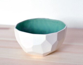 Modern ceramic breakfast and soup bowl handmade in polygons out of porcelain- facetted design - Poligon mdeium bowl - Emerald Green