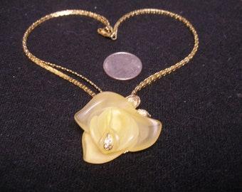 Acryllic Rose Necklace(953)