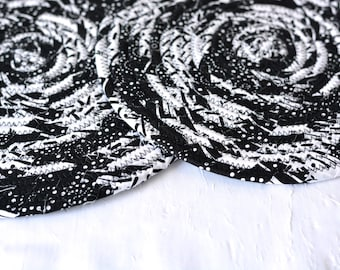 Black and White Trivets, Set of 2 Hot Pads, Handmade Coiled Fabric Trivets, Black and White Hot Pads, Lovely Black Quilted Table Mats