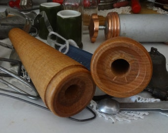 ANTIQUE VINTAGE Wooden Spools