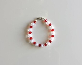 A Faceted Glass Bead Bracelet