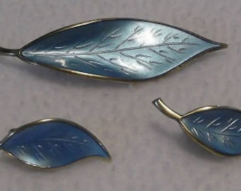 Mid Century Modernist Norwegian Sterling & Enamel Leaf Shaped Brooch and Earrings With Vermeil Finish, by Willy Winnaess for David-Andersen