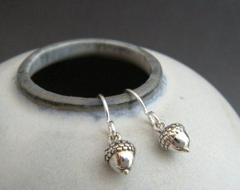 tiny silver acorn earrings. small sterling silver dangle woodland strength simple everyday drop leverback nature botanical gardener gift 1/4