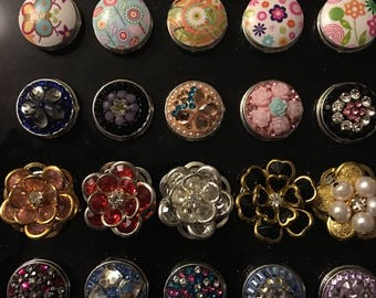 Love Flowers?  Choose from Several Various Styles of 18mm Interchangeable Snaps