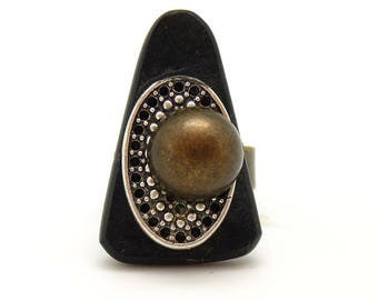 Small metal and Horn by KUMKA MARQUISETTE ethnic ring