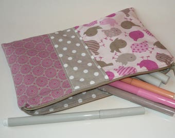 Clutch in matching fabrics to be ready for back to school! (model girl)