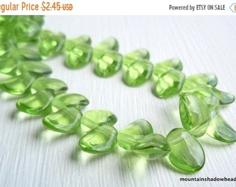 Shop Closing 40% OFF 6mm Petal Beads Peridot Green - Green Petal Bead - Czech Glass Beads (G - 250)