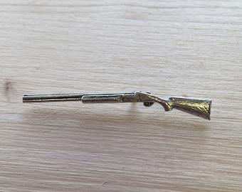 Shotgun (closed) Pewter Pin/ Brooch/ Badge