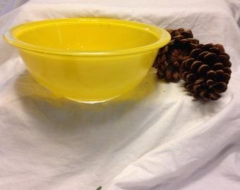 PYREX Vintage Glass Mixing Bowl