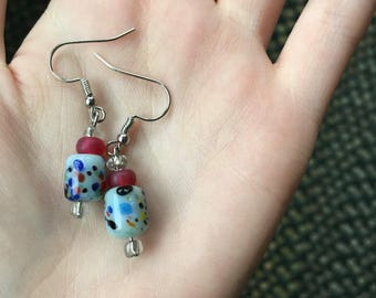 Confetti earrings with red accents