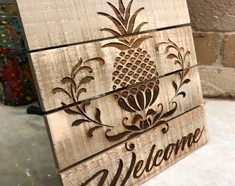 Welcome with wooden pineapple laser engraved wooden sofn witn easel. Side table sign.