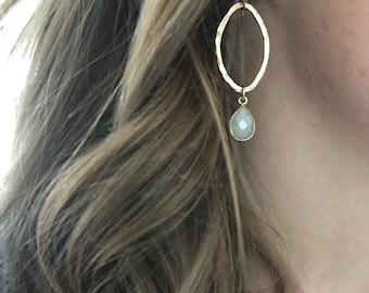 Hammered gold  earrings, oval earrings, dangle earrings, gold earrings with gemstone, gift for her, simple  earrings,everyday earrings