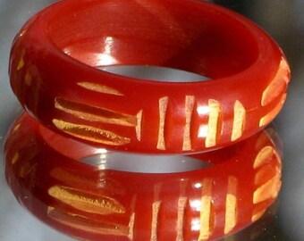 Bakelite Ring Vintage Bold Band Finger Hand Carved Carnelian Sunset Burnt Orange Rust Modernist Mid Century Art Deco Size 5.25 5.5 UK K 1/2
