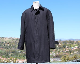 Black Overcoat (Vintage / 80's / London Fog)