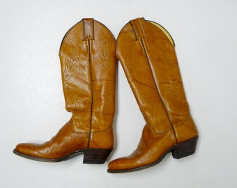 Justin Western leaf stitching cowgirl boots . size 4 1/2C . made in USA