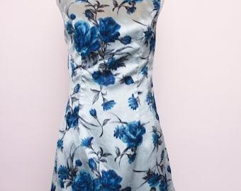 Stunning 1960's icy blue velvet wiggle dress