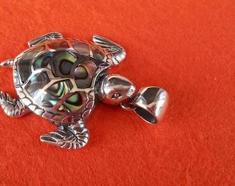 Balinese Sterling Silver abalone shell Turtle Pendant / silver 925 / Bali handmade jewelry / Longevity symbol