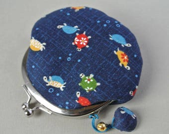 Framed coin purse, turtle in navy blue