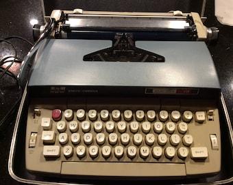Smith Corpna Electra 110 Electric Typewriter