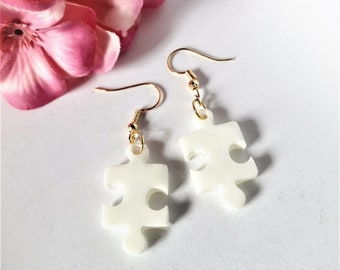 White PUZZLE earrings
