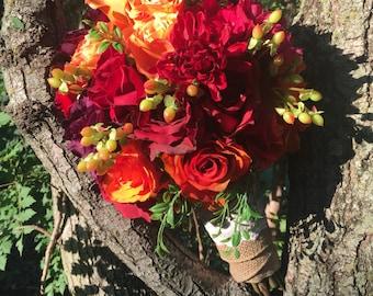 Fall colors brides bouquet