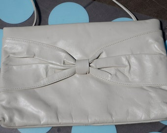 Bow-Tastic!  Vintage 1980's Lightest Cement Gray Leather Shoulder Bag with Front Bow Design- Excellent Condition