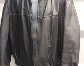 MENS L Vintage 42 44 Black Leather Jacket Fall Short Coat Made in Canada De Soto