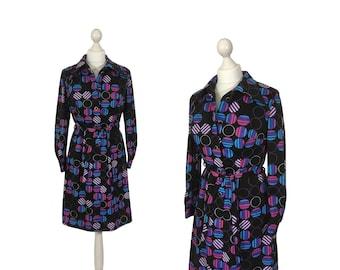 1970-Grafik-Druck-Kleid | 70er Jahre Vintage Blusenkleid | Schwarzes Kleid mit lila Kreisen | UK 12 14
