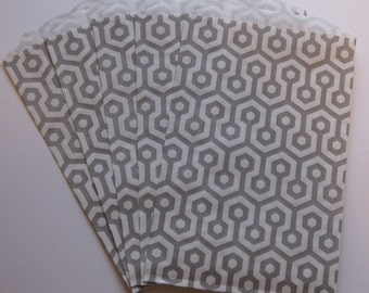 """Set of 20 Gray and White Honeycomb Middy Bitty Bags (5"""" x 7.5"""")"""