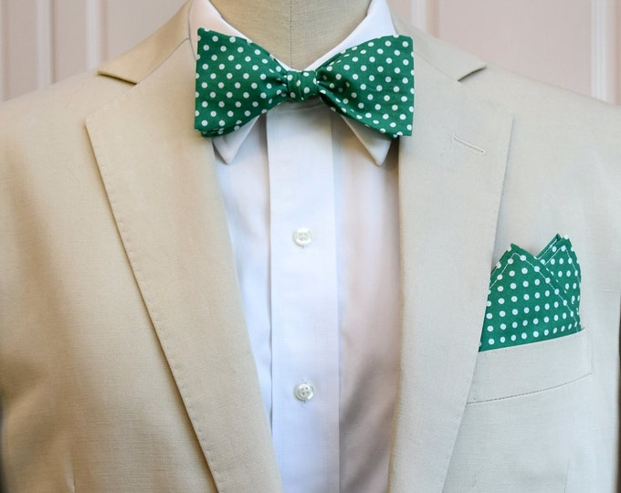 Men's Pocket Square and Bow Tie, emerald green with white polka dots, wedding party wear, groomsmen gift, groom bow tie set, men's gift set
