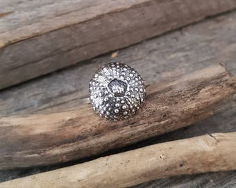 Fine silver ring, sea urchin ring, Small sea urchin silver ring, summer ring, beach ring, minimalist ring, seaside ring, made to order ring