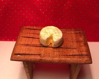 Miniature Kitchen: Brie