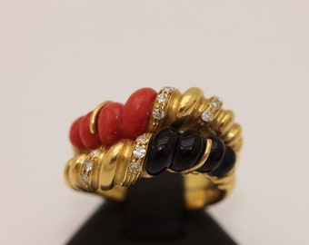 Handmade 14k gold brilliant coral garnet handmade   decorated victorian ring