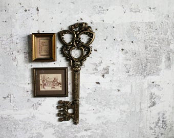 Vintage Wallhanging Key