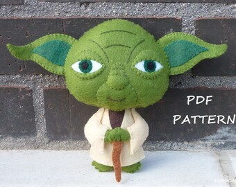 PDF pattern to make a felt doll inspired in Yoda.