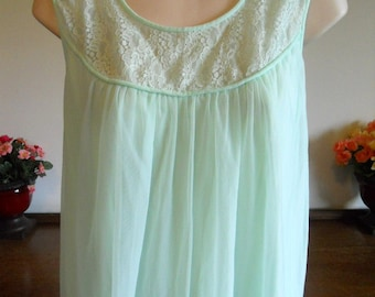 Vintage Green Chiffon Nightgown ~ 1960's Mint Green Nightgown ~ Double Nylon Chiffon Nightgown  ~ Lacy Nightgown ~ Feminine ~ Romantic