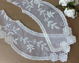LACE - White  Lace Collars  Vintage  New Old Stock