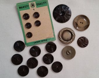A collection of 19 BROWN VINTAGE BUTTONS
