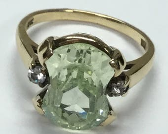 Vintage Mid Century Deco 10k Yellow Gold Statement Ring With Pale Green Stone